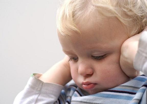 Житель Саратского района жил за счёт четырёх маленьких детей