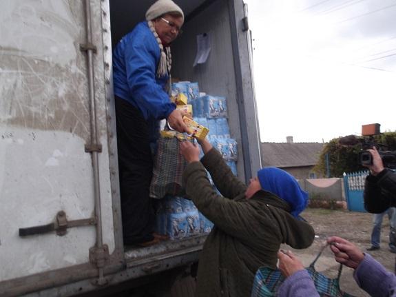 Антон Киссе оказал помощь пострадавшим жителям Тарутинского района (ФОТО)