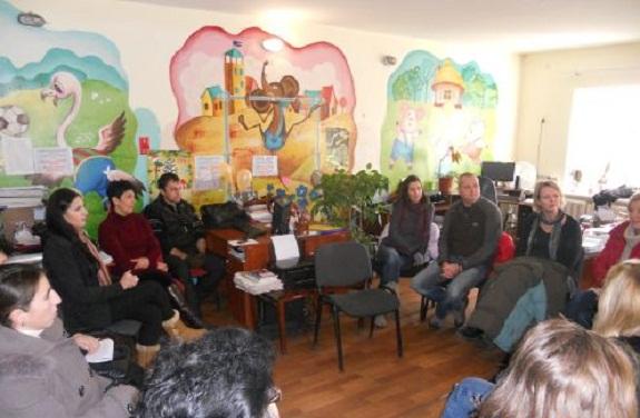 Волонтёры из Англии приехали на встречу с социальными работниками в Рени