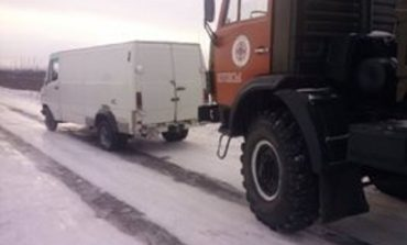 В Рени в снежных заносах застряли 18 грузовиков
