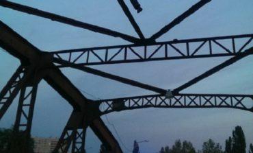 В Одессе пьяный житель Великомихайловского района забрался на Горбатый мост (ВИДЕО)
