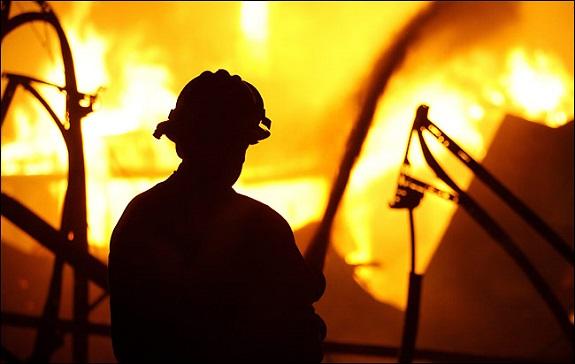 В Беляевском районе на пожаре сгорел молодой спасатель (ВИДЕО)