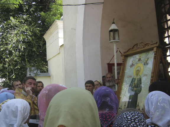 Прихожане Арцизского района приобщались к мощам святой блаженной Матроны Московской (ФОТО)