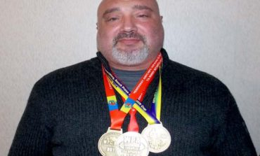 Болградский священник завоевал «золото» по пауэрлифтингу на Чемпионате мира (ФОТО)