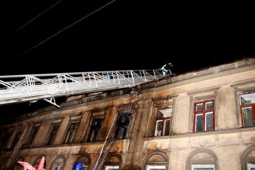 В центре Одессы загорелся четырехэтажный жилой дом