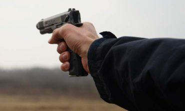В Саратском районе мужчина выстрелил из пистолета в односельчанина