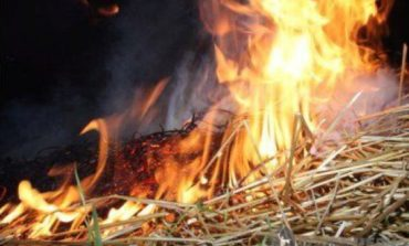 В Саратском районе горел грузовик с сеном