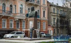В Одессе ведутся работы возле памятника маршалу Малиновскому