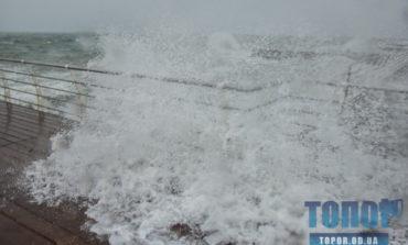 Одесское побережье Черного моря штормило (фото)