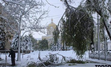 В Болградском районе из-за непогоды обесточены все села и закрыты школы