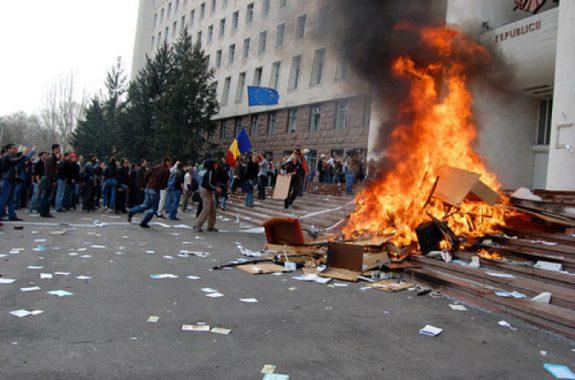 Восемь лет прошло с момента беспорядков в Молдове, которые привели к власти оппозицию