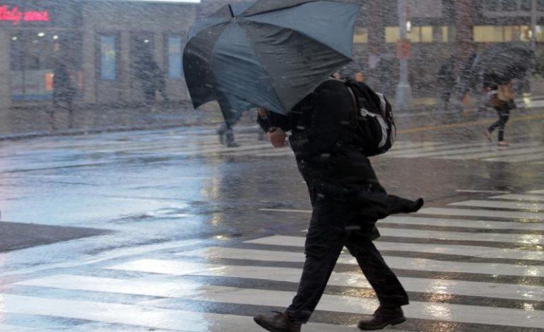 Штормовое предупреждение: в Одессе и области порывы ветра достигнут 20 м/с