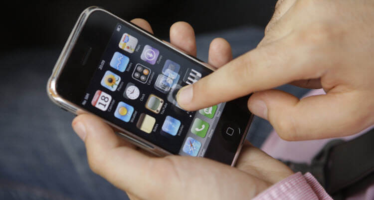 23-летняя одесситка украла у знакомого телефон за 9 тысяч