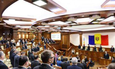 Граждане Молдовы согласились сократить число депутатов парламента почти вдвое