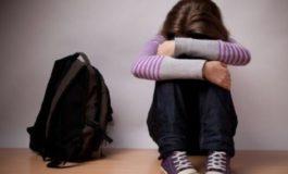 В Беляевке 19-летний юноша избил и ограбил школьницу