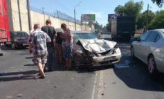 """ДТП в Одессе: на Люстдорфской дороге """"KIA"""" влетела в """"Toyota"""""""