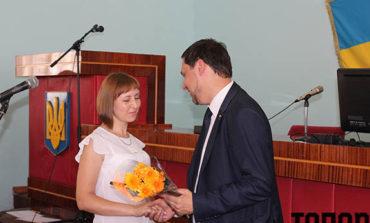 В Болграде госслужащих поздравили с праздником