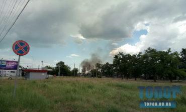 Масштабный пожар на окраине Одессы (фото, видео)