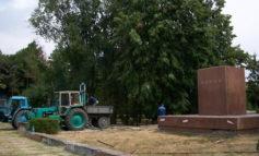 В Молдове вновь начали борьбу с памятниками Ленину