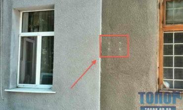 На Молдаванке в Одессе украли мемориальную табличку, установленную неделю назад