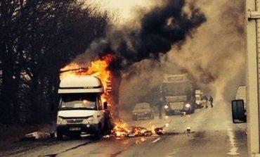В Одессе по неизвестной причине сгорело два грузовых автомобиля