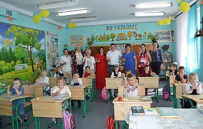 Школьники Белгород-Днестровского района получили антисколиозную мебель