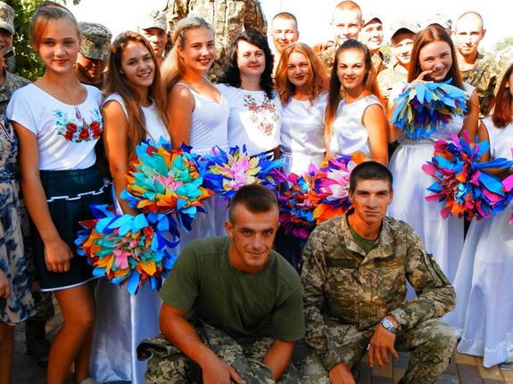 Самодеятельные артисты из Шабо выступили перед военнослужащими