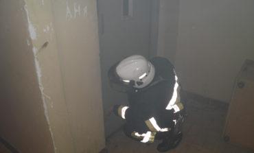 В одесской девятиэтажке горел лифт с пассажиром