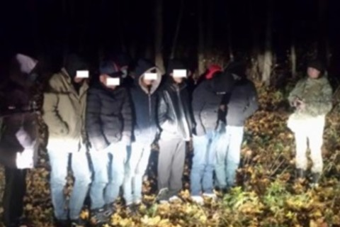 В Сумской области пограничники задержали 12 нелегалов