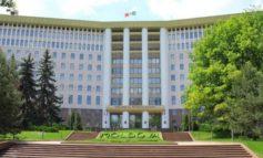 Коррупция в парламенте Молдовы: за выход депутата из фракции платят до полумиллиона евро