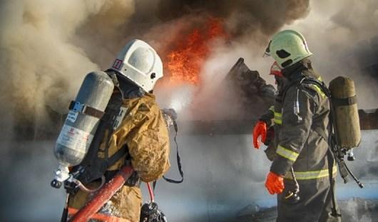 В Черноморске на причале горел двухэтажный курень