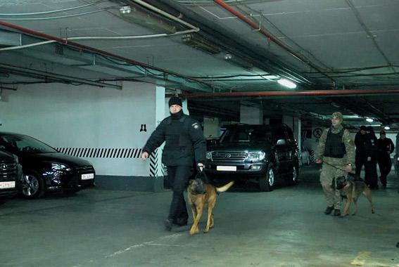 Ложное минирование в Одессе оказалось наводкой на тайник с оружием