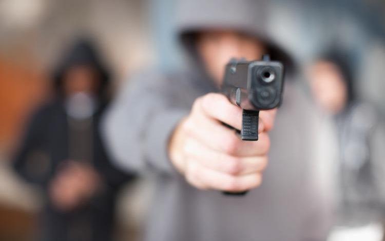В Черноморске неизвестный стрелял в депутата