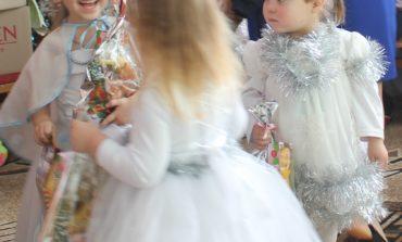 Антон Киссе поздравил самых маленьких жителей села Павловка