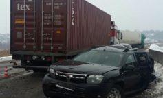 Страшное ДТП на Объездной дороге: столкнулись фура и внедорожник