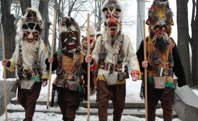 «Поцелуй в полночь»: молдавские болгары сохранили большое число новогодних традиций