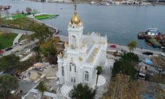 """В Стамбуле открыли болгарскую """"Железную церковь"""""""