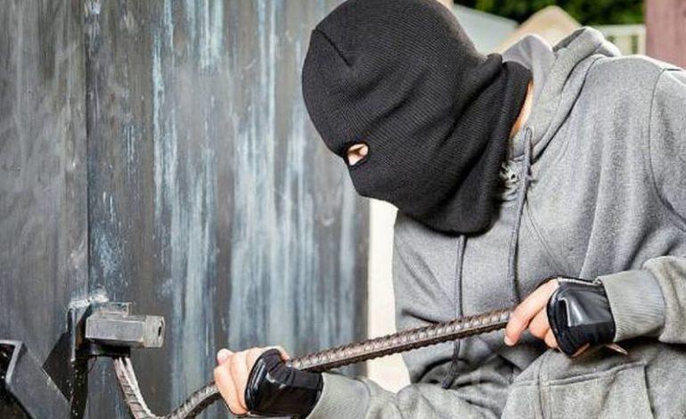 Житель Арцизского района обокрал соседа, попросившего присмотреть за домом