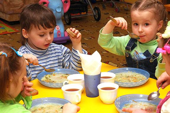 Одесская область: в каких громадах на питание детей выделяют около 10 гривен
