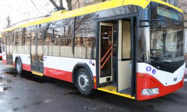 Из-за последствий пожара в колледже в Одессе изменили маршруты троллейбусов