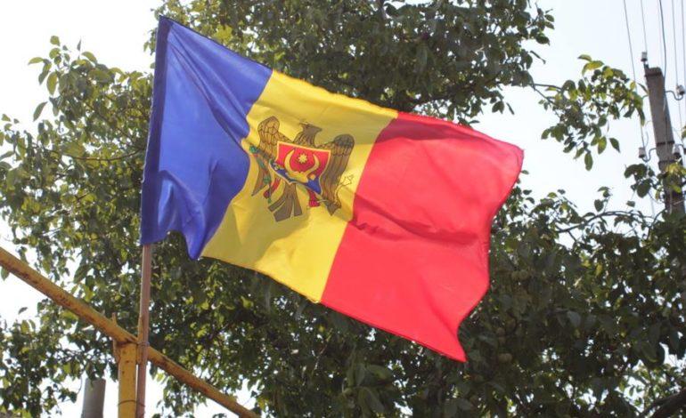 Государственники против унионистов: в Молдове начался пинг-понг деклараций