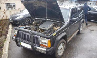 В Измаиле киевлянин пытался переоформить Jeep Cherokee с перебитым номером