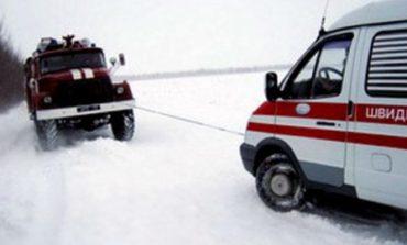 В Ивановском районе скорая с больным ребенком застряла в сугробе