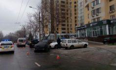 ДТП в Одессе: пострадали 4 автомобиля, в том числе полицейский