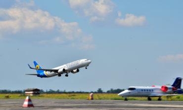 За год в Украине количество авиарейсов сократилось почти на 58%