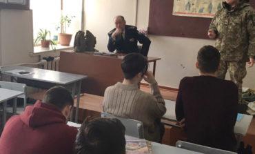 Измаильские пограничники агитировали выпускников поступать в ВУЗы ГПСУ