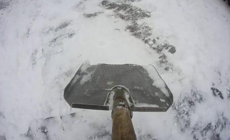 По соседству: охранник с лопатой напал на съемочную группу молдавского телеканала