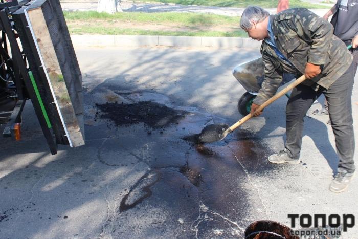 В Белгороде-Днестровском начат ямочный ремонт дорог