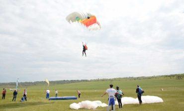 В гагаузском селе прошли крупные соревнования по парашютному спорту