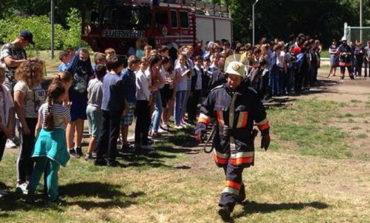 Школьников Тарутинского УВК эвакуировали из здания школы по пожарной тревоге